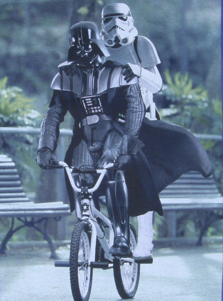 star_wars_riding_bike