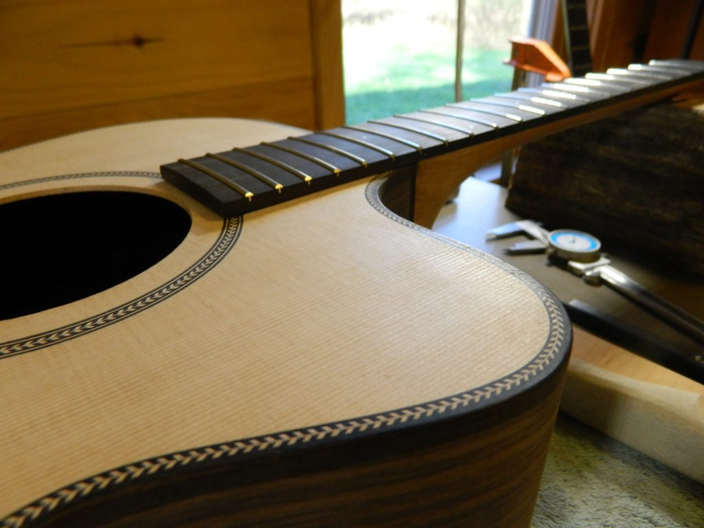 Checking fretboard fit